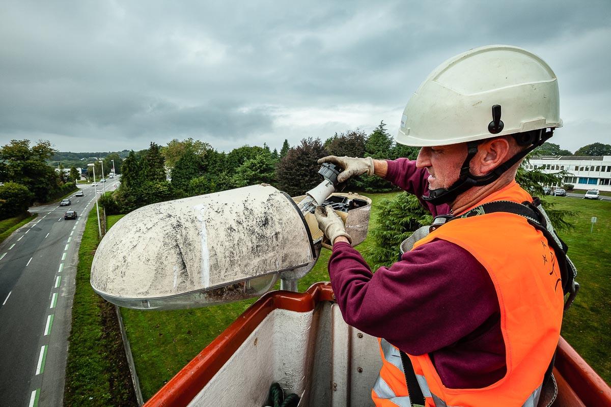 maintenance ampoule eclairage public