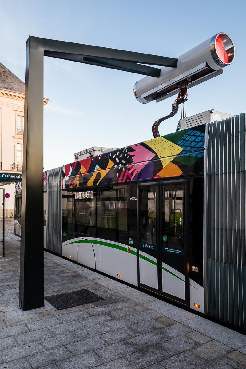 Borne de recharge des Busway à Nantes